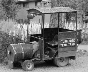 train-990136_1920