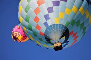 hot-air-balloon-1718342_1920