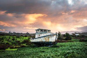 fishing-boat-1654446_1920