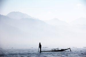 fisherman-1559753_1920